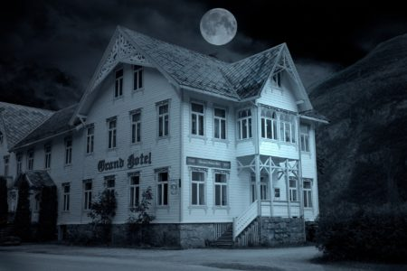 отели с призраками